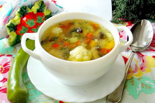 Готуємо весняний овощой суп для правильного харчування