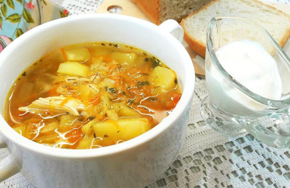 Ароматний і наваристий суп з перловкою, приготований в мультиварці